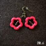 گوشواره گل 5 پر قرمز