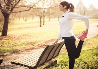 zanrooz-exercising-at-playground